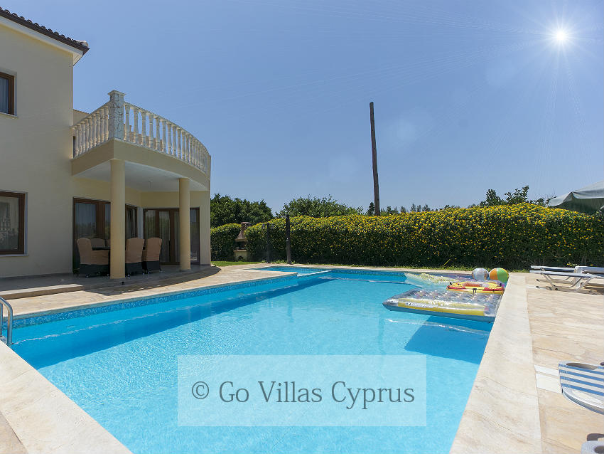 Holiday Villa Tsikkos 2 (Ref. 2657)
